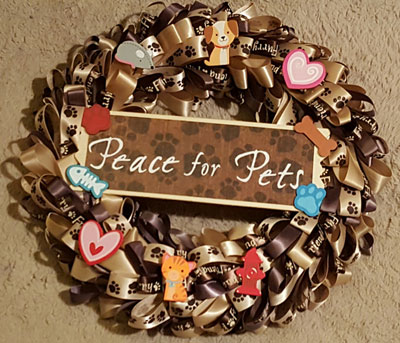 Wreath made of cat and dog treats